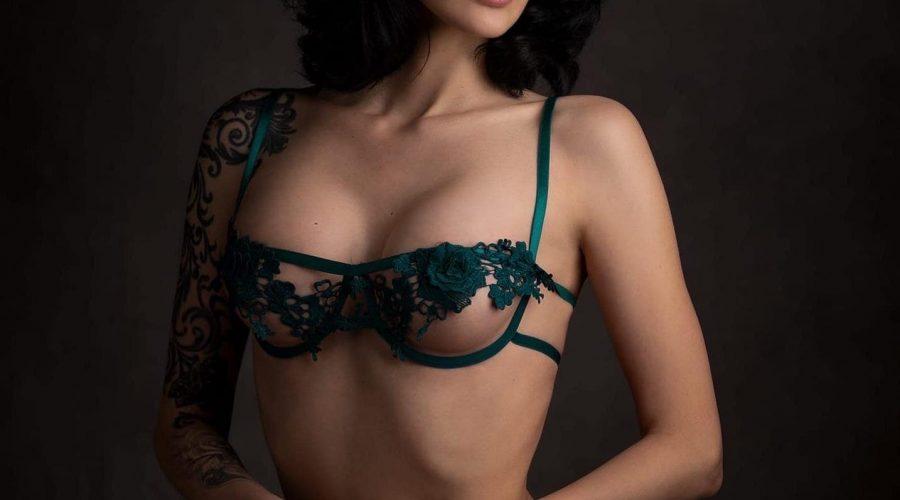 seductive escort